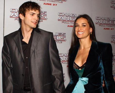 Ashton Kutcher dating Rihanna